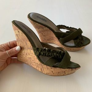 Charlotte Russe size 7 cork wedge green